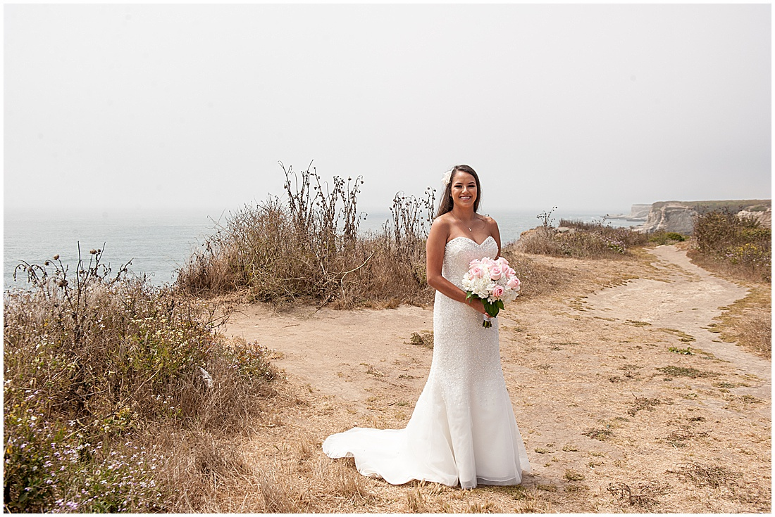 intimate Panther Beach Micro Wedding by Jen Vazquez Photography_0002