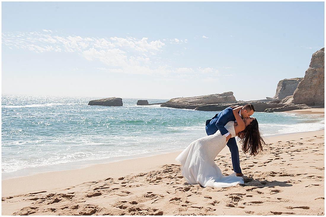 intimate Panther Beach Micro Wedding by Jen Vazquez Photography_0008