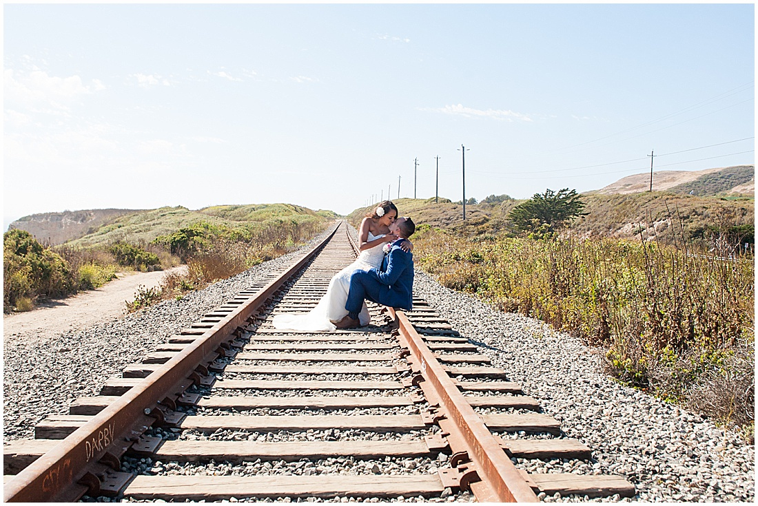 intimate Panther Beach Micro Wedding by Jen Vazquez Photography_0009