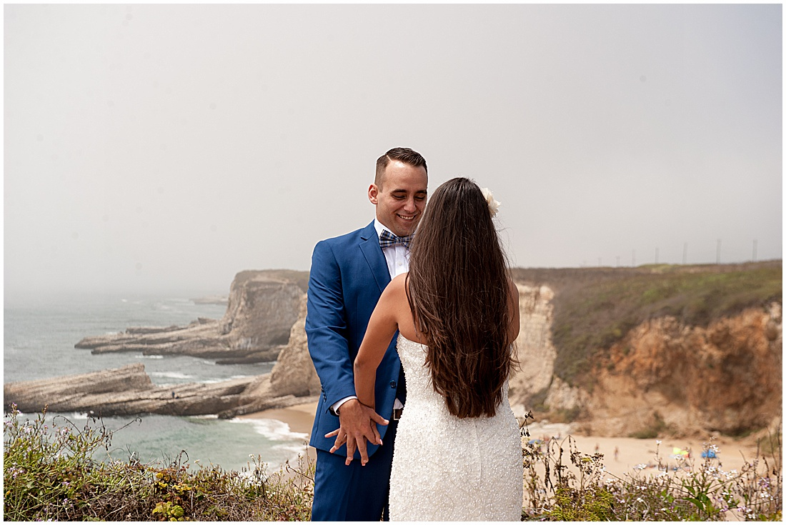 intimate Panther Beach Micro Wedding by Jen Vazquez Photography_0362